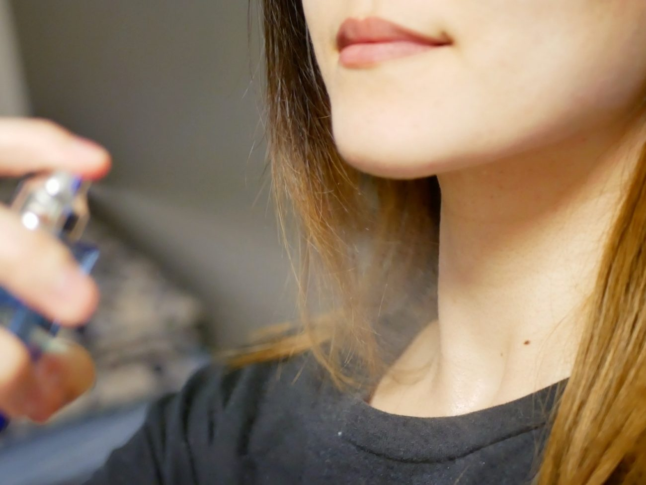 【いまどきの香水の付け方】体のどこに付けるのが流行りなの?